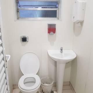 Quarto Duplo com banheiro compartilhado (ventilador)